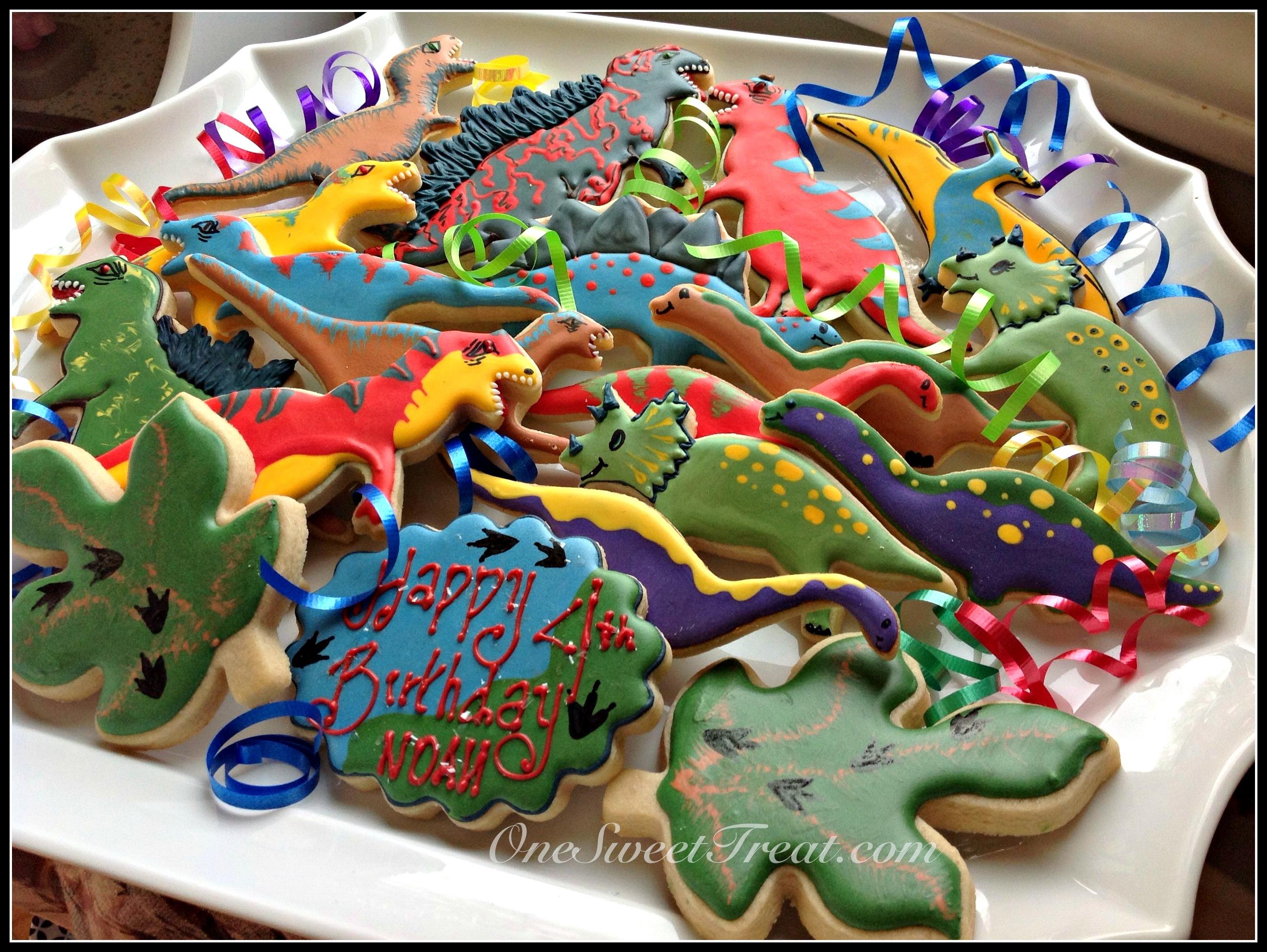 Dinosaur cookies 3.jpg