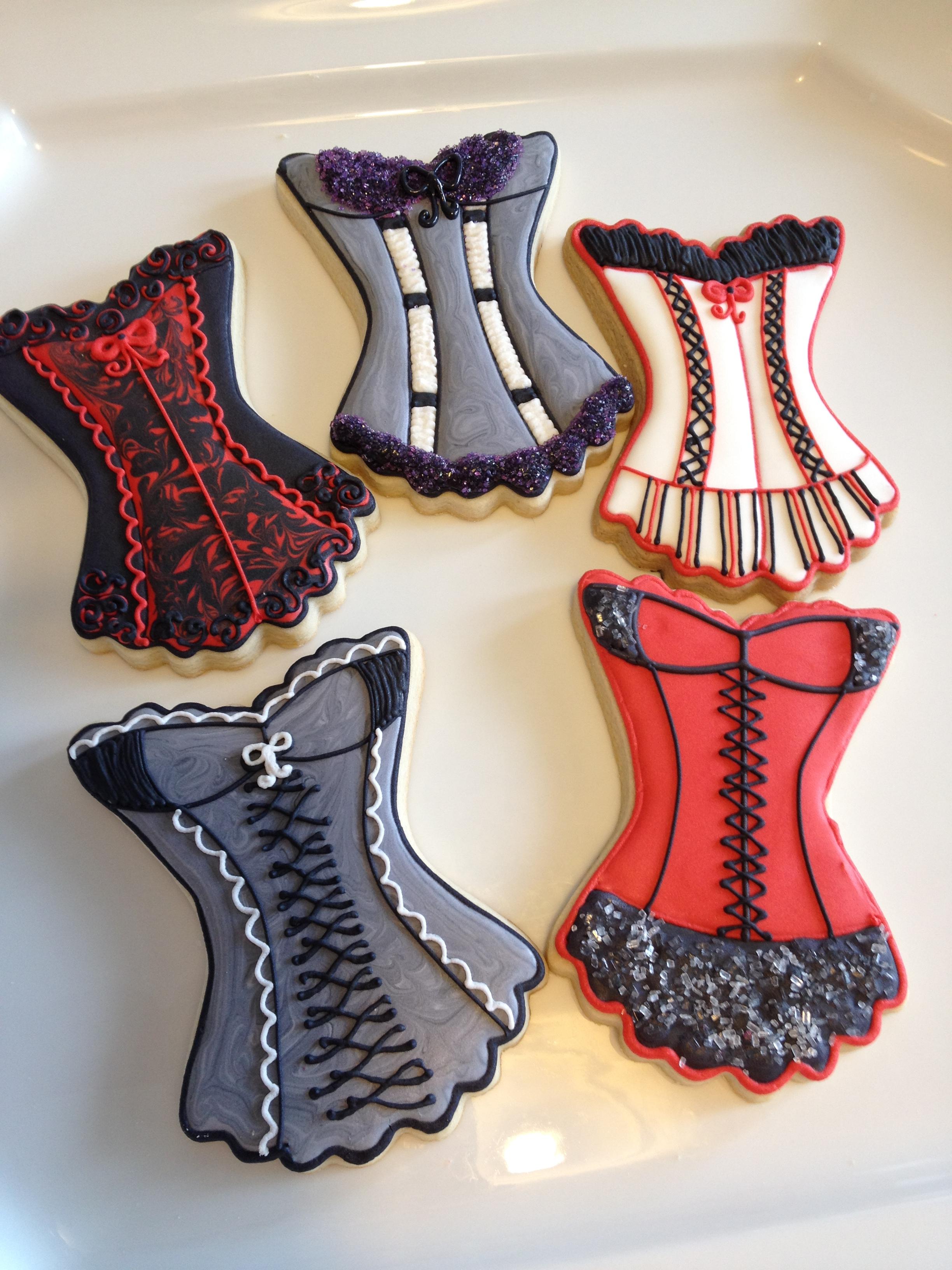 corsets-valentines-1