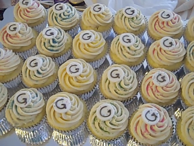 shower-g-cupcakes