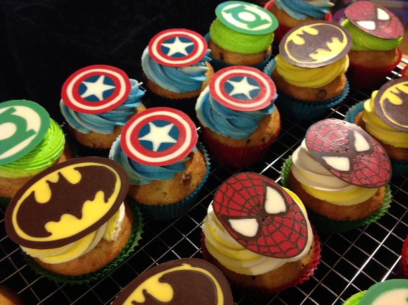 superheroes-cupcakes-4