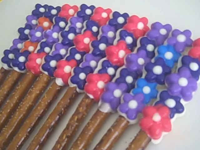 pretzels-flowers-purple-rose