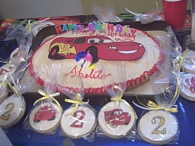 lightning-mcqueen-cake-and-cookies