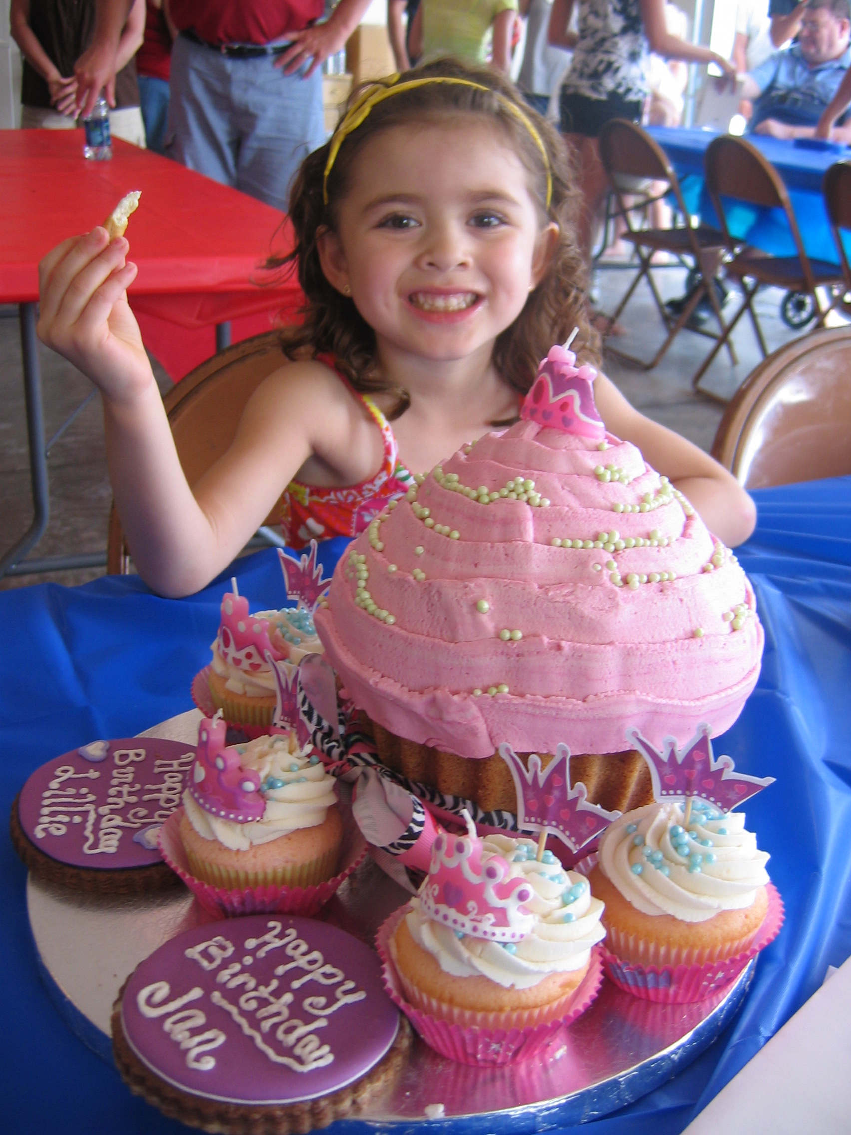 lillie-cupcake-2
