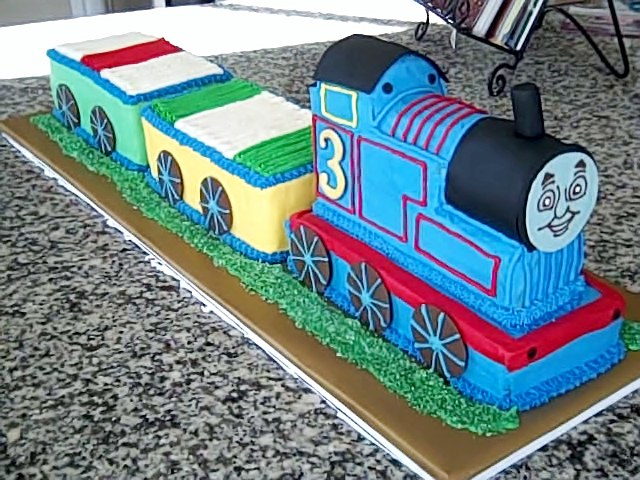 how to make thomas the train cake