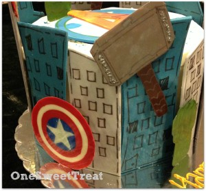 superheroes cake 5