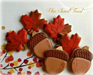 leaves acorns IMG_6898 L