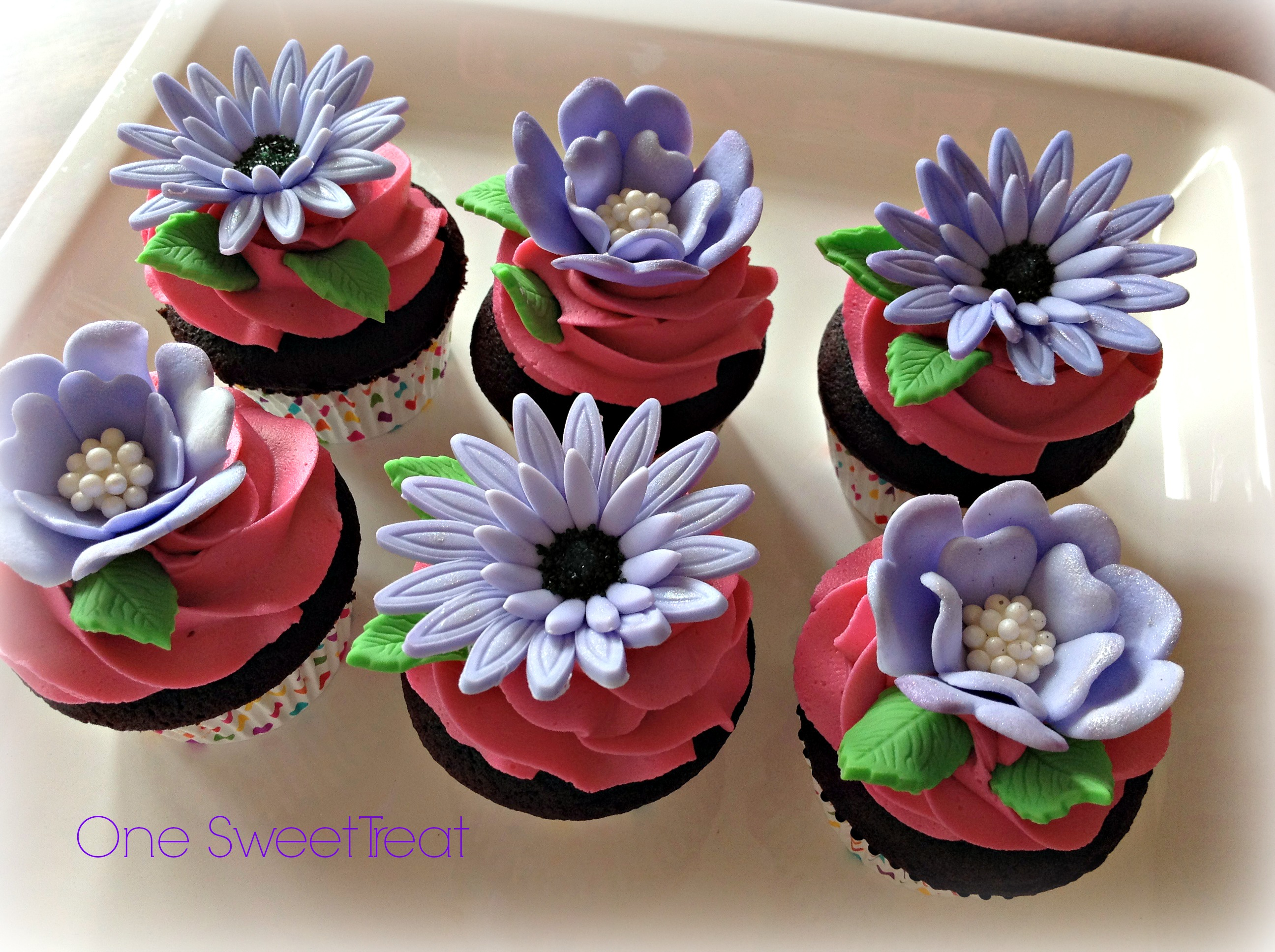 e Sweet Treat Flower Cupcakes
