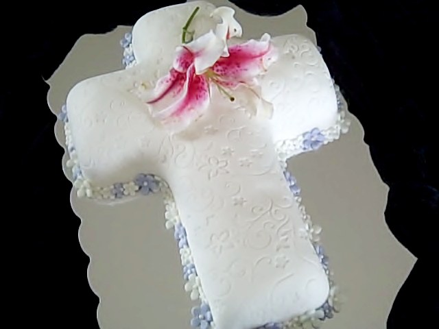 cross-cake-with-lily